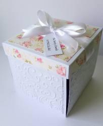 Box ślubny z tortem